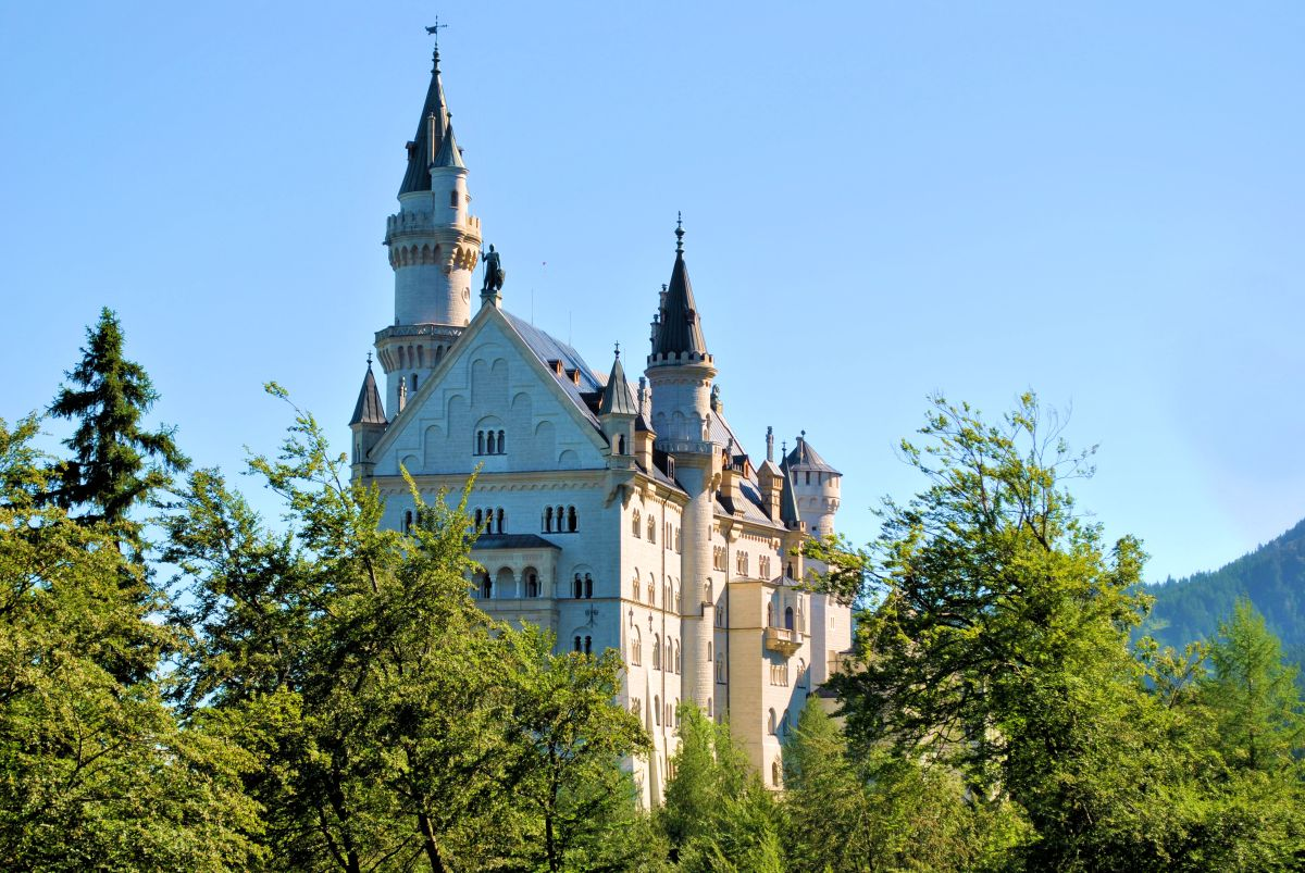 Schloss Neuschwanstein: A Glimpse Of The Famous Fairytale Castle