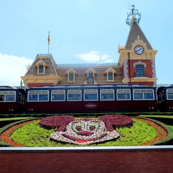 HK Disneyland Entrance
