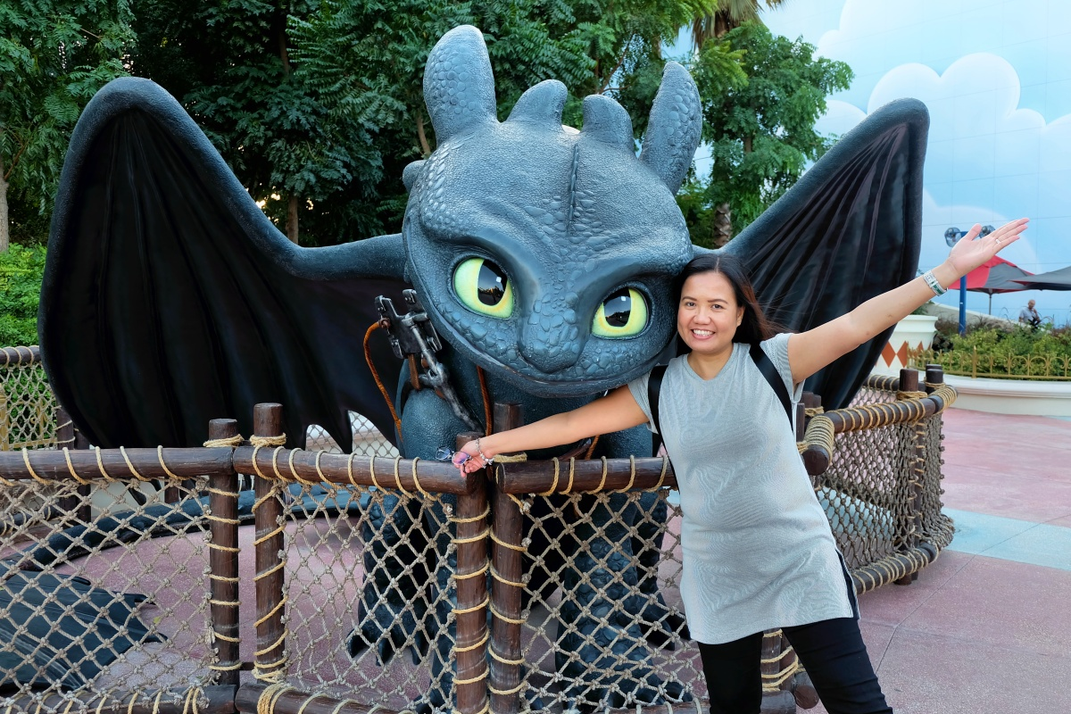 Joy with Toothless