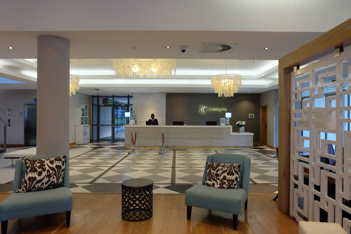Holiday Inn Mon Tresor Lobby 6