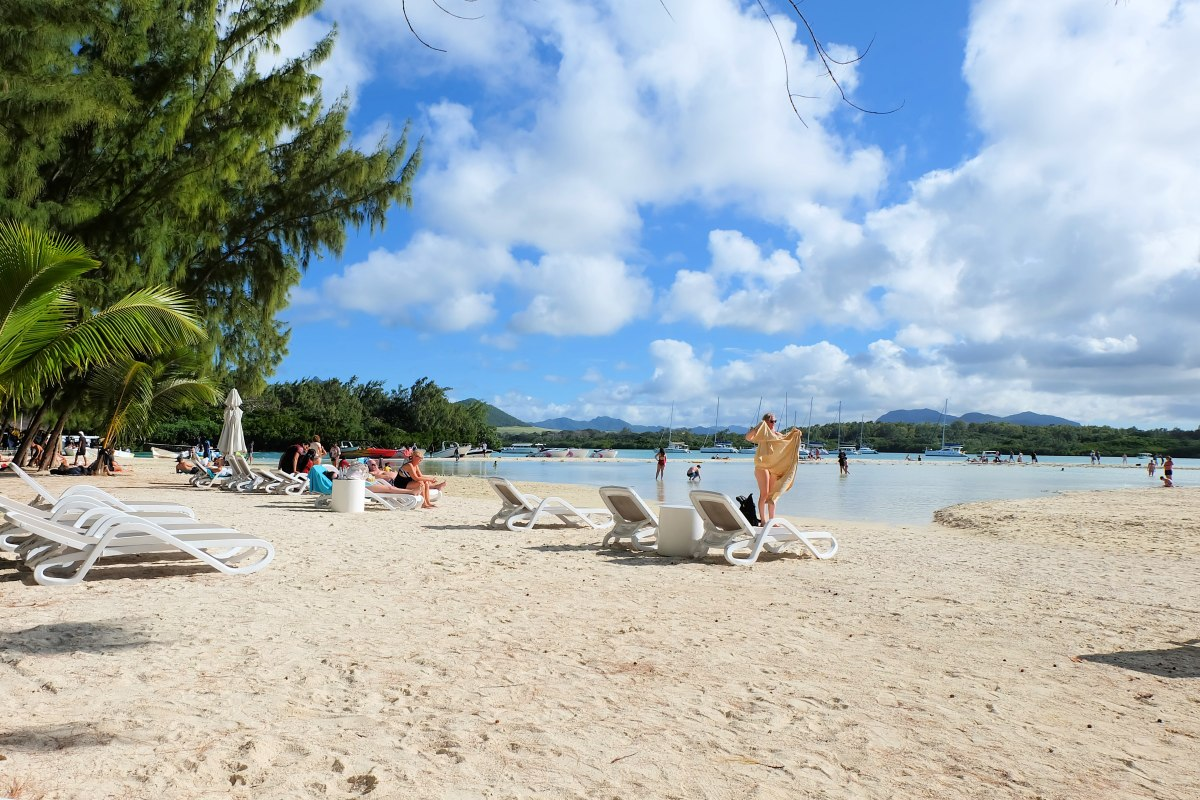 Mauritius: Catamaran Cruise to Ile aux Cerfs