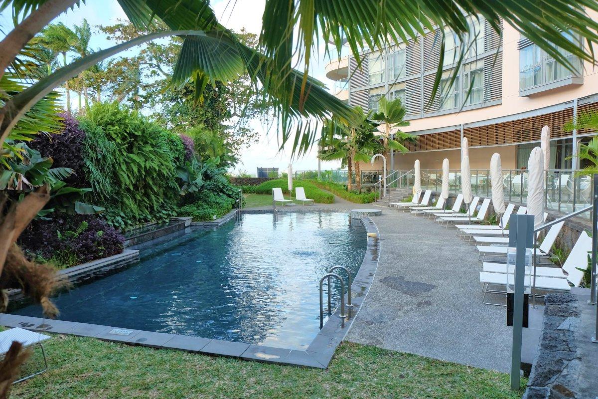 Holiday Inn Mon Tresor Swimming_Pool