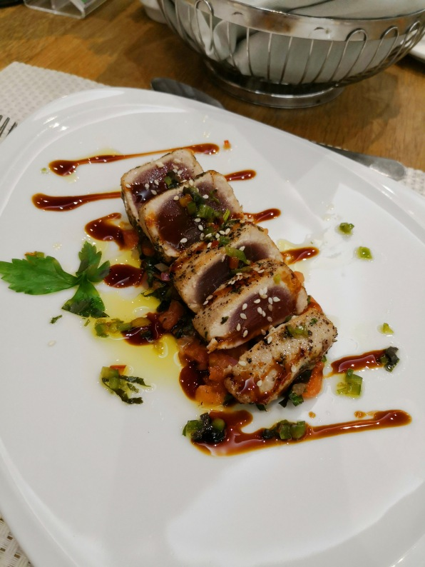 Half-cooked Seared Tuna