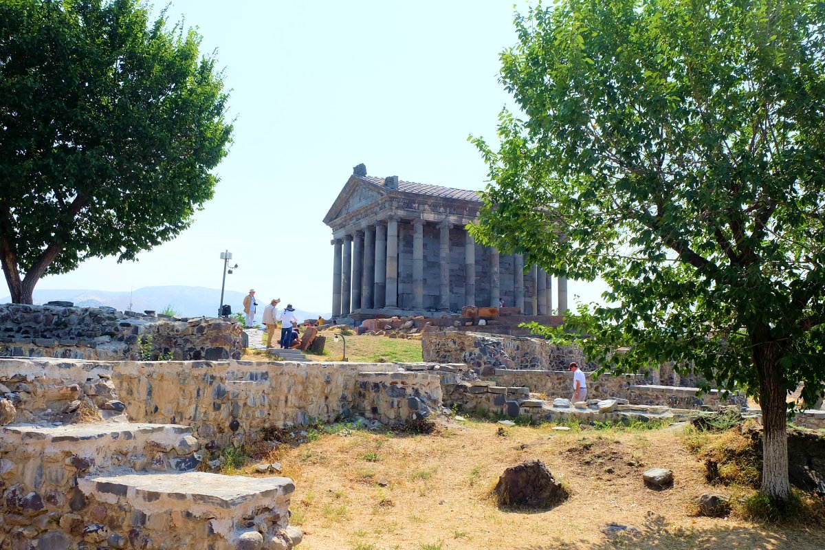 garni temple3