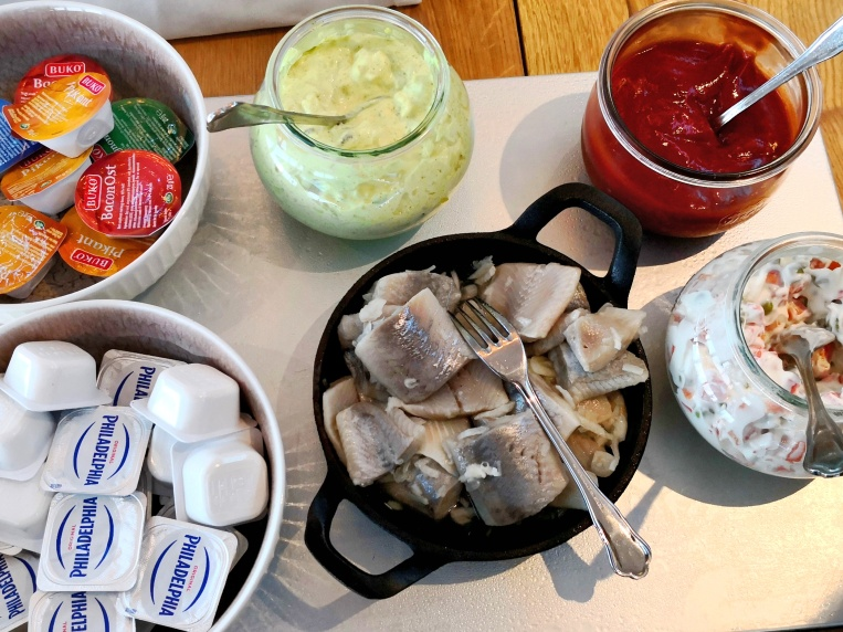 Pickled herring & condiments